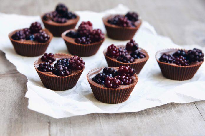 Blackberry Chocolate Cups