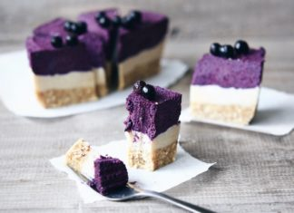 Holistic Lifestyler's Raw Blueberry 'No Cheesecake'