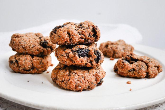 Raisin and Oat Bran Breakfast Cookies
