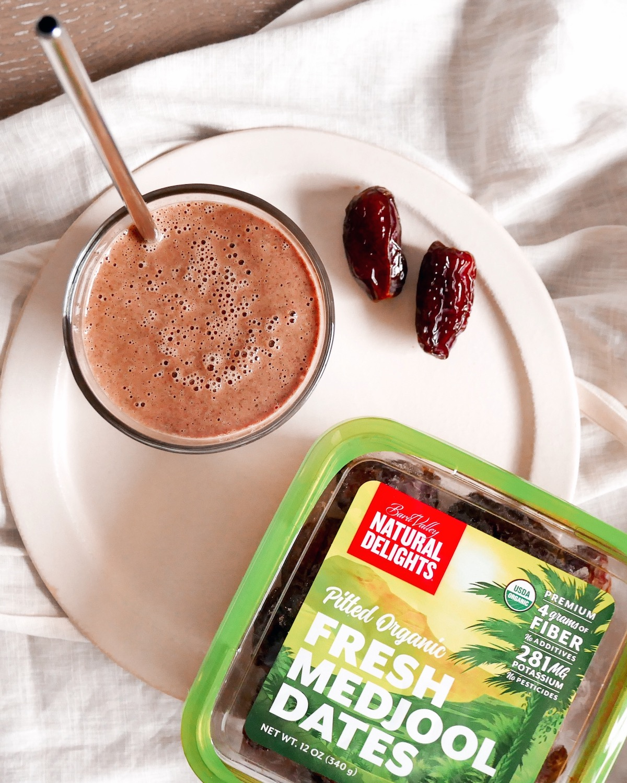 Chocolate Medjool Date Smoothie