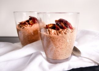 Overnight Oats with Medjool dates