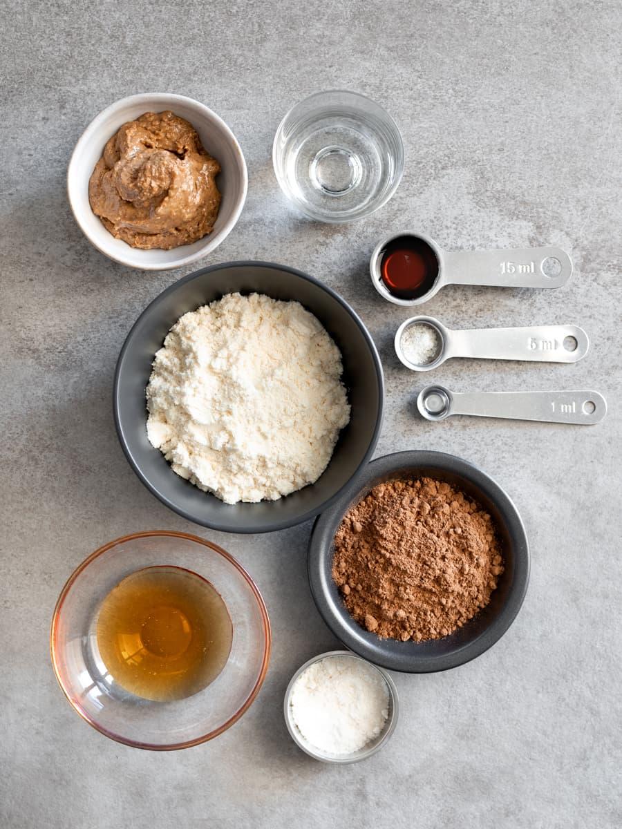 Ingredientes para as bolas de proteína Choc Mint Whey