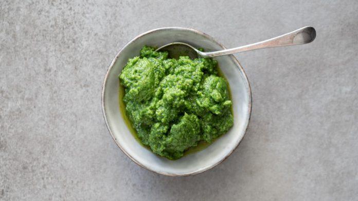 Pesto de Pinha e Salsa
