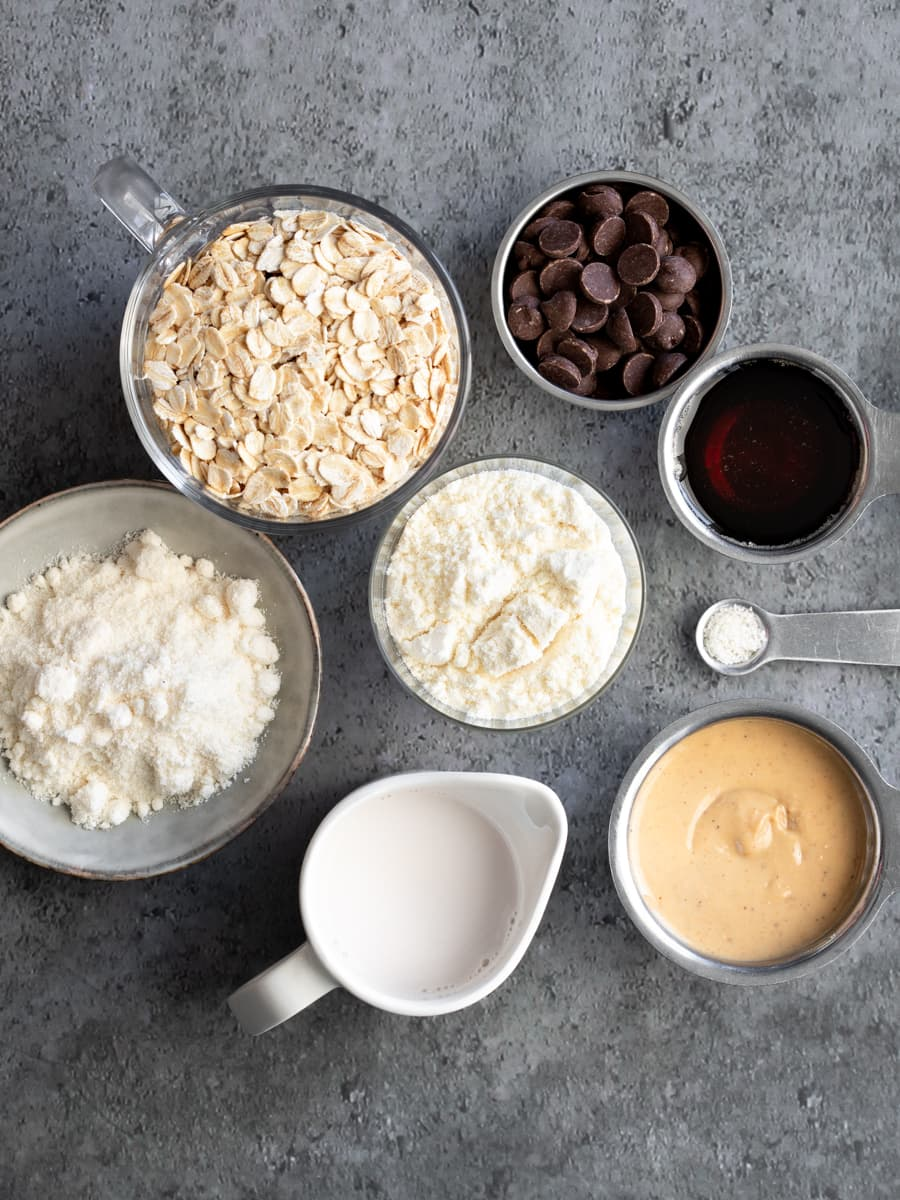 Ingredients for Chewy Choc Chip Oat Protein Bars
